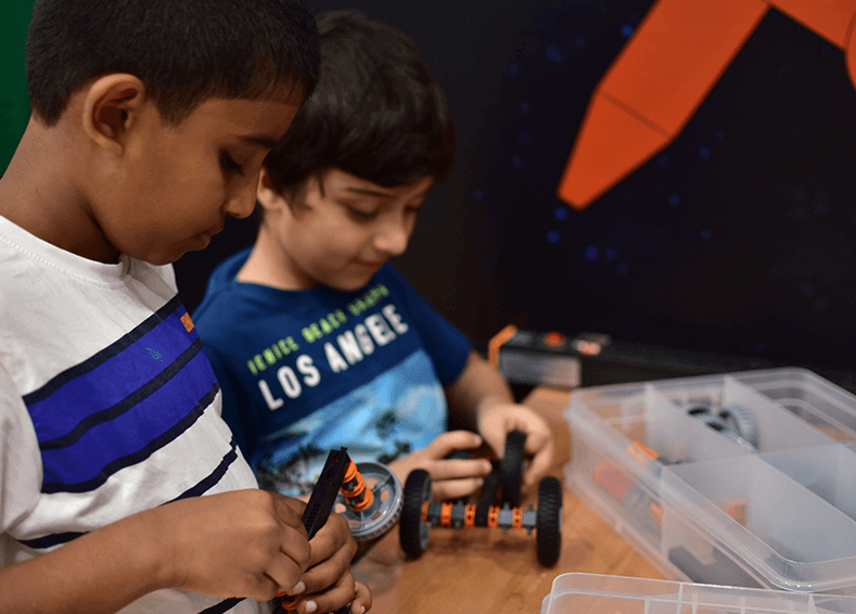 robotic winter camps for school students in dubai, uae